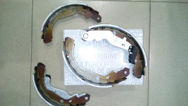 Колодки задние барабанные рено логан дастер сандеро