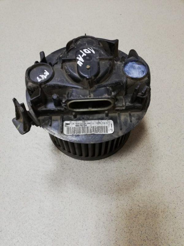 Вентилятор отопителя Рено Логан без кондиционера 6001547691