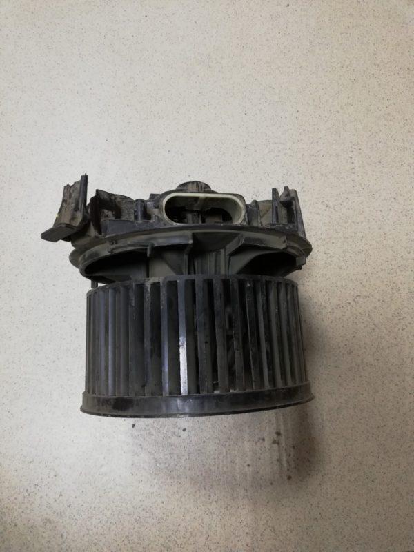 Вентилятор-отопителя-Рено-Логан-6001547691