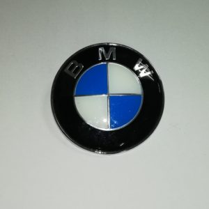 Эмблема BMW Знак значёк логотип капота крышки багажника эмблема БМВ BMW E46 E39 E36 E34 E60 E90 E70 X5 E53 X3 F25 X3 E83 X1 E84 7 F03 F02 F01 E66 E65 E38 E32 E23 E64 E63 E24 F11 F07 E61 E28 E93 E92 E91 E30 E88 E87 E82 E81 F30 F10 F20
