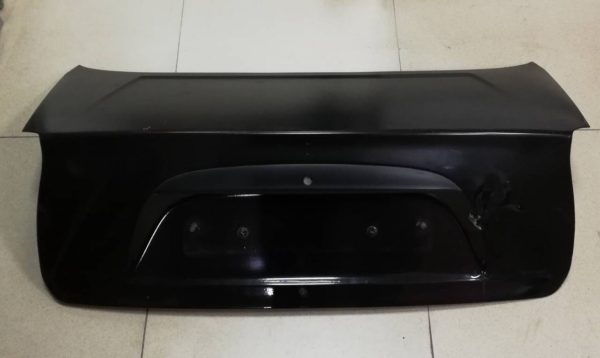 Крышка багажника Chevrolet Lanos ZAZ вертик фонарь